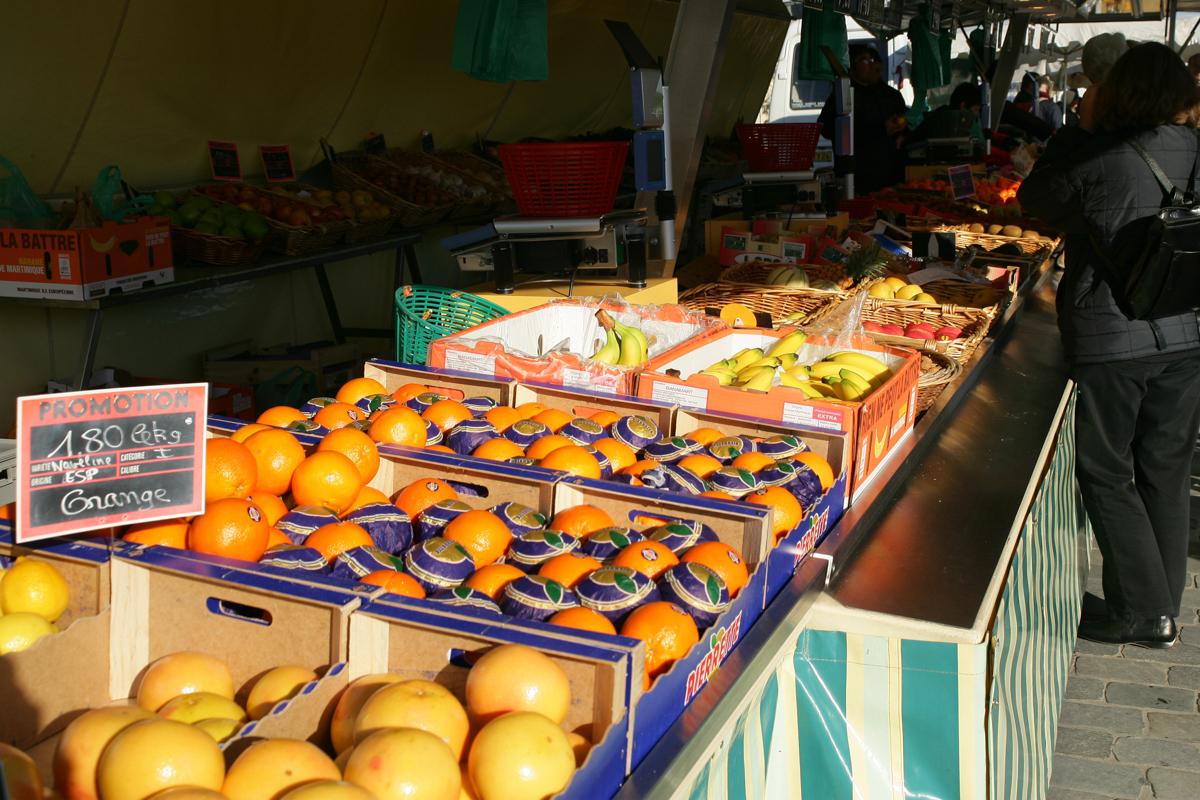 Weekly Market Berrias