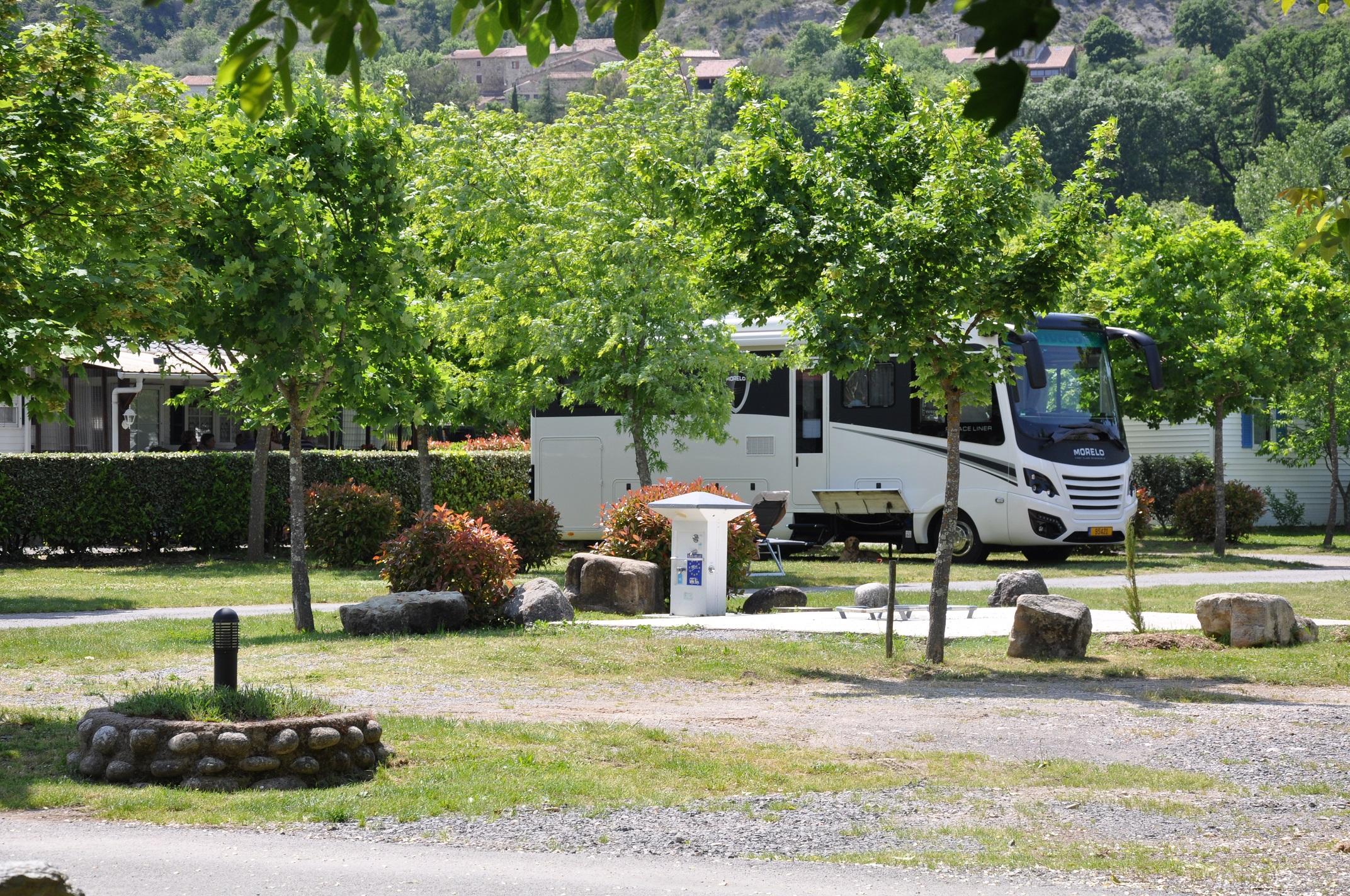 aires de camping car office de tourisme c vennes d 39 ard che. Black Bedroom Furniture Sets. Home Design Ideas