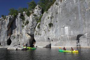 canoe dans les gorges du chassezac