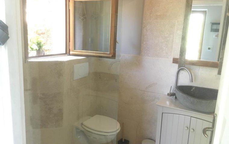 salle d'eau chataigne dort planzolles