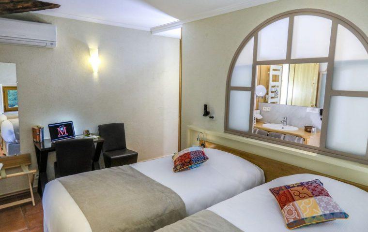 Chambre – hôtel les Murets